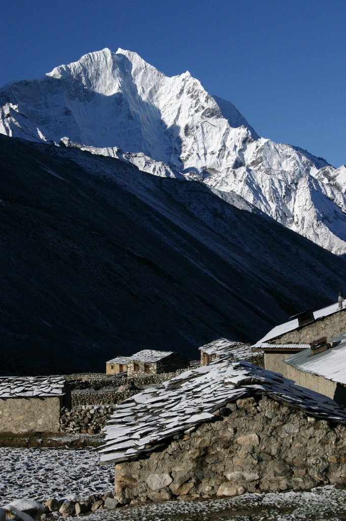 Morning view on Kangtega from Dingboche