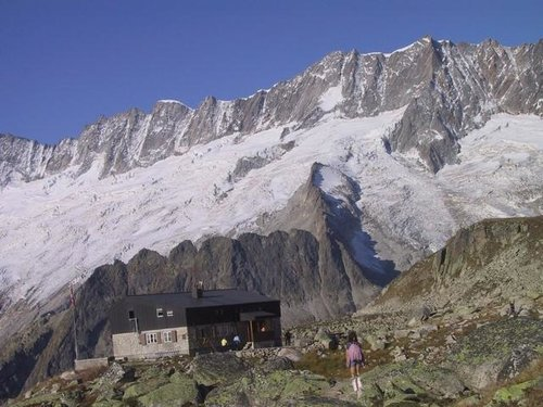 Bergsee hut with Dammastock