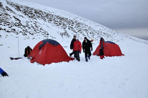 Winter Dream 2011: Setting up the camp