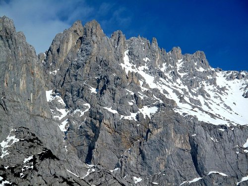 The very rugged west ridge of Scheichenspitze (2667m)