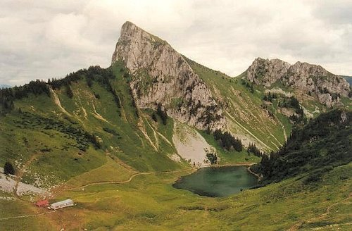 Mount Lenla and Arvouin lake...