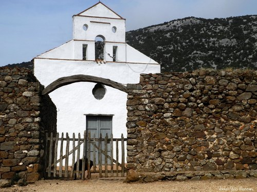 The old church of San Pietro in Golgo