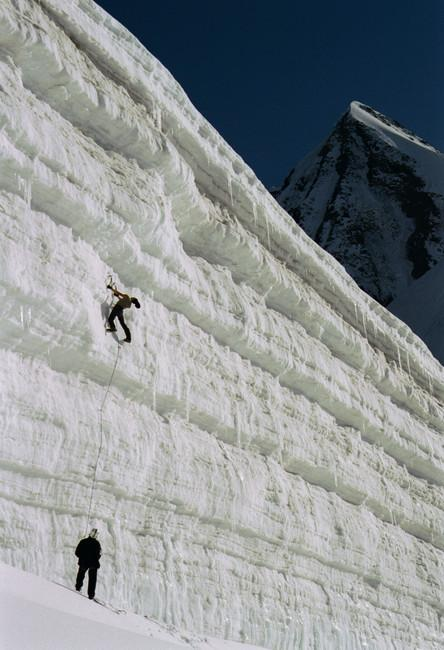 Iceclimbing on the Ushba...