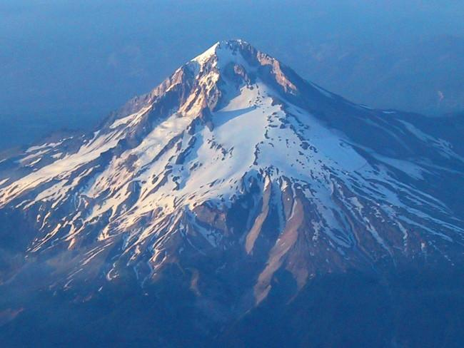 Mt Hood from above. (PDX ->...